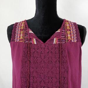 Knox Rose 💕  Beautiful  Slaveless top. Size Large
